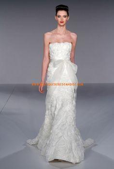 Robe de mariée romantique ornement de fleurs et de ceinture