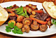 A változatos konyhának a gomba igen fontos nyersanyaga, mert sokféle tápláló és ízletes étel készíthető belőle.  https://www.tuja.hu/receptek/gombas-etelek.html