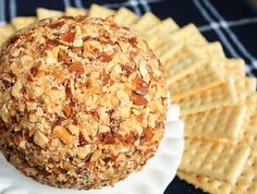 Almond Bacon Ranch Cheeseball ~ SO good perfect for holiday parties ~