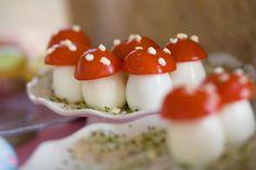 Oeuf de caille et tomate cerise