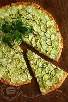 tart with zucchini and goat cheese 1 Tart Recipes, Baby Food Recipes, Snack Recipes, Cooking Recipes, Healthy Recipes, Healthy Food, Zucchini Tart, Afternoon Tea Recipes, Savoury Baking