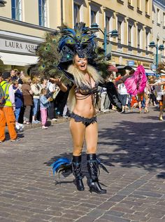 helsinki samba carnaval papagaio - Google Search