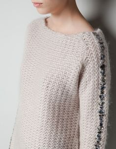 fall / winter style inspiration: plain sweater with embellished sleeves