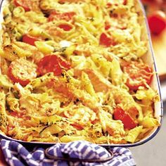 Recept - Pastaschotel met zalm en tomaat - Allerhande. Pastabake with salmon, tomatoes and cream (i added some bacon to replace the parmasan saltiness)