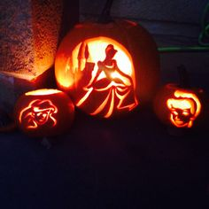 Cinderella and Ariel. - Real Time - Diet, Exercise, Fitness, Finance You for Healthy articles ideas Disney Pumpkin Carving, Pumkin Carving, Pumpkin Carving Patterns, Disney Halloween, Holidays Halloween, Vintage Halloween, Halloween 2016, Halloween Pumpkins, Halloween Crafts