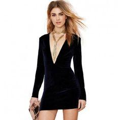 Moda Feminina Vestido Bodycon Preto Curto Decote Profundo. Estilo Elegante, festa e balada com efeito em veludo.