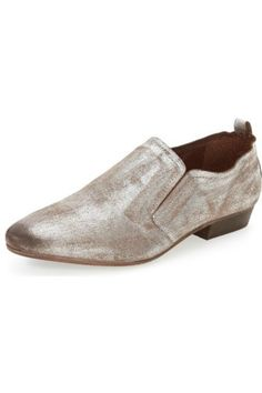 Buttery soft metallic slip-on short booties bring a suave elegance to a casual style. Elastic at tongue for sure fit. Leather upper and lining, manmade sole. Fit runs slightly large.   Posh Galactic Oxford Shoe by Seychelles. Shoes Providence, Rhode Island
