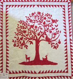 A wonderful red and white quilt, too large to be a part of the challenge -- what a dramatic quilt to hang on one& wall. What wonderful . Antique Quilts, Vintage Quilts, Quilting Projects, Quilting Designs, Quilting Ideas, Two Color Quilts, Red And White Quilts, Tree Quilt, Machine Quilting