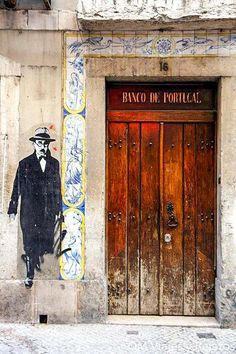 Street art in Lisbon, Portugal (this firgure is the image of Fernando Pessoa one of the greatest portuguese poets with many many heteronyms) Portugal Photos, Art Public, Portuguese Culture, Art Ancien, Portugal Travel, World Of Color, Street Art Graffiti, Klimt, Chalk Art