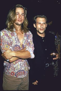Brad Pitt Christian Slater hanging out - 1993 😍😍🔥🔥 Clean Cut Men, Beautiful Men, Beautiful People, Pretty People, Brad Pitt Pictures, Lestat And Louis, Wes Anderson Movies, Brad Pitt And Angelina Jolie, Christian Slater