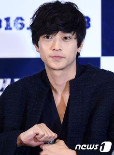 Asian Actors, Korean Actors, Asian Boys, Asian Men, Kang Dong Won, Mr President, Japanese Men, Korean Celebrities, Gorgeous Men