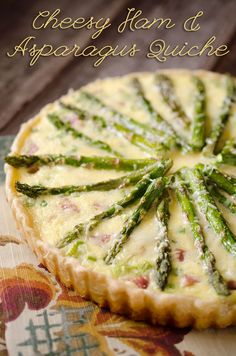 Brunch Recipes to Make This Weekend Cheesy Ham & Asparagus Quiche is filled with a luscious custard, leftover ham and fresh asparagus for a perfect quiche recipe for brunch or dinner! Breakfast Desayunos, Breakfast Dishes, Breakfast Recipes, Asparagus Quiche, Fresh Asparagus, Perfect Quiche Recipe, Quiches, Brunch Recipes, Healthy Quiche Recipes