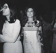 Dalida et Nana Mouskouri Nana Mouskouri, Dalida, Famous French, Her Music, Sari, Singer, Friends, Inspiration, Fashion