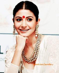 Big red bindi with kundan-jewellery looks beautiful Indian Dresses, Indian Outfits, Anushka Sharma, Actors, Celebs, Celebrities, Mode Style, Bollywood Fashion, Indian Bridal
