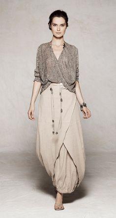 2012 look by Sarah Pacini. Looks SO comfy yet still stylish. Moda Casual, Casual Chic, Boho Chic, Look Fashion, Womens Fashion, Fashion Design, Fashion Trends, Fashion Business, Sarah Pacini