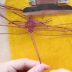 Macrame Bracelet Patterns, Macrame Bracelet Tutorial, Diy Friendship Bracelets Patterns, Diy Bracelets Easy, Macrame Patterns, Macrame Jewelry, Macrame Bracelets, Micro Macrame Tutorial, Diy Crafts Jewelry