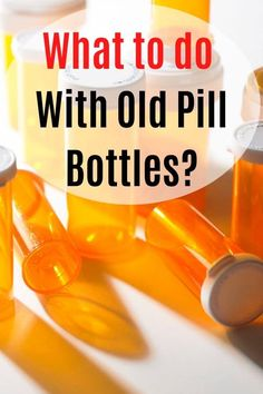 Upcycle old pill bottles easily with this collection of ideas and crafts. Easy projects with photos and tutorial link. Medicine Bottle Crafts, Pill Bottle Crafts, Old Medicine Bottles, Diy Bottle, Reuse Pill Bottles, Old Bottles, Recycled Bottles, Reuse Plastic Containers, Plastic Container Crafts