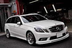 BENZTUNING: Mercedes-Benz S212 E550 BRABUS Look