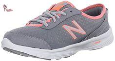 New Balance Women's 811 Training Shoe, Navy/Pink, 5 D US