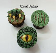 Dinosaur cupcakes by Sweet Prelude (Cake Boy) Dinosaur Cupcakes, Dino Cake, Dinosaur Birthday Cakes, Dinosaur Dinosaur, Jurassic World Cake, Festa Jurassic Park, Blackberry Cake, Park Birthday, Savoury Cake