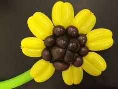 Подсолнух из шаров / Sunflower of twisting balloons - YouTube