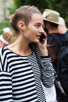 Model off duty Street Style after Maison Margiela Maartje Verhoef offduty Paris Fashion Week|http://trendbubbles.nl/best-white-fashion-of-the-season/