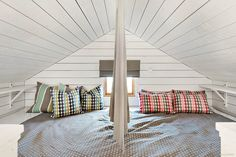 Sovloft Sleepover Room, Loft Spaces, Cottage Ideas, Tiny Houses, Kids Room, House Ideas, Stairs, Bedroom, Furniture