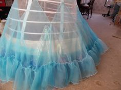 Fantastic construction pics of a cosplay Cinderella gown