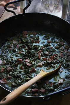 Delicious on stovetop too. Like creamed spinach with coconut milk Tongan Food, Samoan Food, Polynesian Food, Creamed Spinach, Island Food, Coconut Cream, Coconut Milk, International Recipes, Main Meals