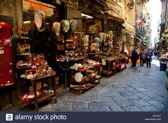 Download this stock image: Traditional shop with gifts, presents, souvenirs in Spaccanapoli, Naples, Napoli, Campania, Italy, Italia - D9T7KT from Alamy's library of millions of high resolution stock photos, illustrations and vectors.