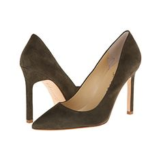 olive green carra pumps from @ivankatrumpshop #holiday #christmas #shoes