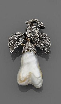A XIXth century diamond and blister pendant.