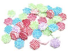Lot de 40 petits cabochons fleurs à carreaux ( rouge , violet , bleu , vert , fuchsia ) en résine 10 mm
