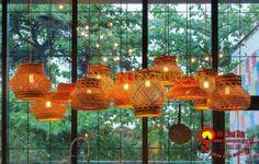 Đèn mây tre đan trang trí nhà cửa, nhà hàng, quán cafe với đủ loại kiểu dáng khác nhau đơn giản đẹp, hãy liên hệ +84979 083 286 / 0948 914 229 (Call/Viber/WhatApps),www.denlongxua.com; denlongxua@gmail.com #đènlồngxưa #đènmâytre #bamboolamp #đènmâytretrangtrí #vietnam #hoian #lanterns #socialmedia #lamp #pinterest #mâytređan #beauty Diy Home Improvement, Valance Curtains, Chandelier, Table Lamp, Ceiling Lights, Lighting, Design, Home Decor, Rio De Janeiro