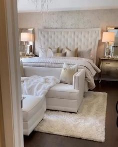 Bedroom Decor For Couples, Room Ideas Bedroom, Home Decor Bedroom, Cream Bedroom Decor, Bedroom Ideas For Couples On A Budget, Narrow Bedroom Ideas, Master Bedroom Furniture Ideas, Romantic Master Bedroom Ideas, Master Bedroom Color Ideas