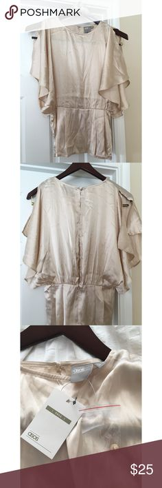 ASOS cream/gold blouse NWT ASOS cream/gold butterfly short sleeve blouse. Open back and low cut sleeves with peplum detail. Size 6 Tall, new with tags. Perfect for work or any other occasion! Pictures show wrinkles but nothing a quick steam wouldn't take care of. ASOS Tops Blouses