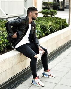 Leather Men, Leather Jacket, Men With Street Style, Gentleman Style, Coffee Time, Style Me, Fashion Accessories, Handsome, Sporty