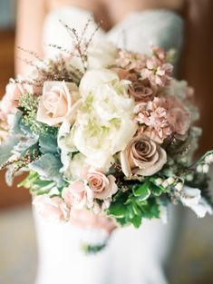 Pale Mauve and Ivory Bouquet | photography by http://www.carrettophoto.com/
