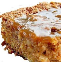 Recipe: apple and caramel cake. Easy Cake Recipes, Apple Recipes, Whole Food Recipes, Cooking Recipes, Cake Ingredients, Homemade Taco Seasoning, Homemade Tacos, Food Cakes, Vegetarian