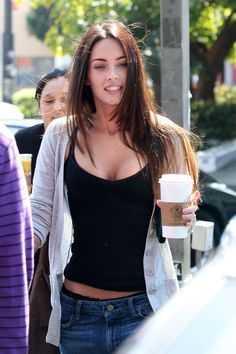 I'm not a huge Megan Fox fan, but I like her style here.