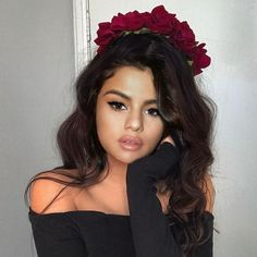 Selena Gomez Tumblr, Selena Gomez Pictures, Kendall Jenner Maquillaje, Selena Gomez Photoshoot, Look At Her Now, Gangster Girl, Aesthetic People, Elizabeth Gillies, Jennifer Winget