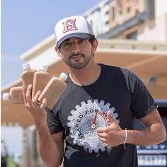 HH Sheikh Hamdan bin Mohammed bin Rashid Al Maktoum. World Handsome Man, Prince Crown, Prince Charming, Coffee Break, Muhammad, Royals, Dubai, Blue Green, Instagram