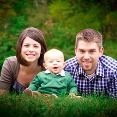 If you like this pin, check out the other pins on my board.  :). Columbia, MO family photo posing ideas, poses, 6 month old