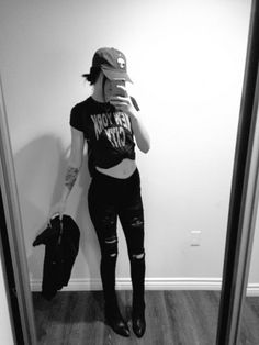 Acacia Brinley wearing a Brandy Melville Katherine Alien Patch Baseball Cap and Forever 21 Low Rise Ripped Skinny Jeans