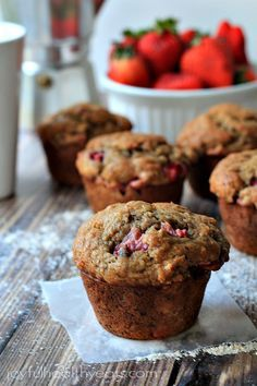 Moist & healthy Strawberry Banana Muffins made with whole wheat flour & loads of fresh strawberries bananas. Perfect for a grab-n-go breakfast! Strawberry Banana Muffins, Muffins Blueberry, Healthy Banana Muffins, Skinny Muffins, Banana Fruit, Banana Bread, Muffin Recipes, Baking Recipes, Dessert Recipes