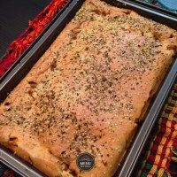 Torta de liquidificador sem glúten com recheio de sardinha