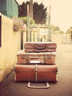 I am looking for an old suitcase. classy!!