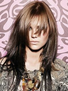 reverse ombre Hair,hair and beauty,hair ideas,Hair/Nails/Makeup, Trendy Hairstyles, Girl Hairstyles, Medium Hairstyles, Reverse Ombre Hair, Corte Y Color, Long Layered Hair, Layered Haircuts, Edgy Haircuts, Great Hair