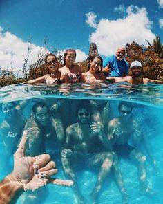 Near Photoshop Fashion Best Friend Pictures, Bff Pictures, Summer Pictures, Beach Pictures, Gopro Photography, Underwater Photography, Creative Photography, Best Friend Goals, Best Friends