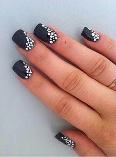 black and silver nails. Nail art. #nails #beautyinthebag #nailart